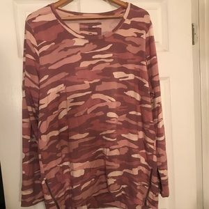 💗 Adorable Pink Camo Sweatshirt